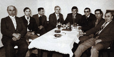 Die stärkste SPD-Gemeinderatsfraktion (1972 - 1978) | v.l.: Max Seidl, Josef Hurt, Matthias Stelzer, MdB Fritz Gerstl, 2. Bürgermeister Max Brandl, Josef Seibold, 1. Bürgermeister Franz Poxleitner und Hans Eckerl.