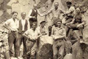 Arbeiter im Kerber-Steinbruch Büchlberg: Oben Mitte: Matthias Sicklinger, Vorsitzender des SPD-OV Büchlberg von 1952 bis 1954